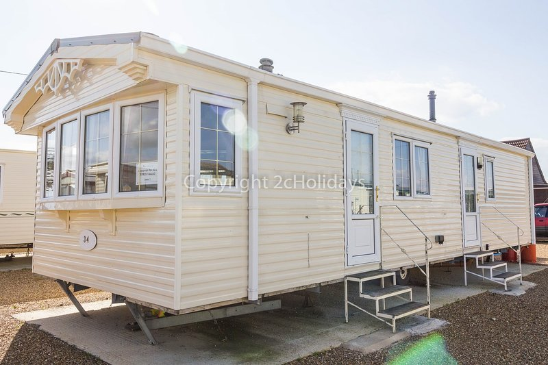 6 berth caravan at Lees Holiday Park. Ruby rated.
