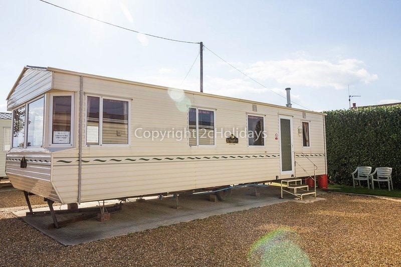 6 berth caravan at Lees Holiday Park. Emerald rated.