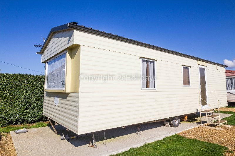6 berth caravan for hire at Lees Holiday Park. Sapphire rated.
