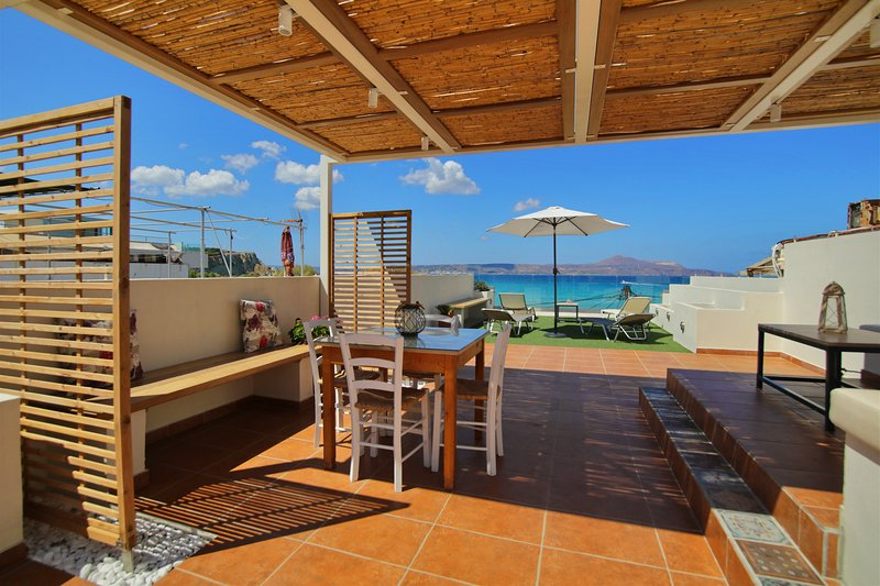 Floor apartment with roof terrace only 20 metres far from Almyrida sandy beach, holiday rental in Almyrida