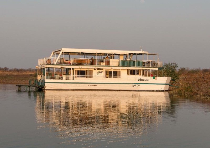 Takamaka Houseboat is a well maintained luxury boat with a swimming pool., holiday rental in Southern Province