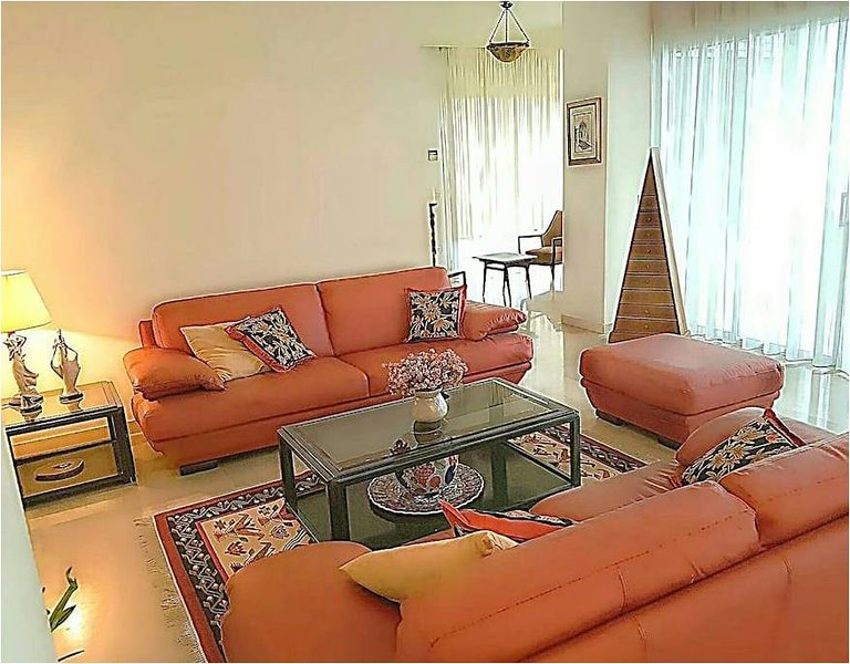 Beirut Raouche Rocks Apartment, holiday rental in Beirut
