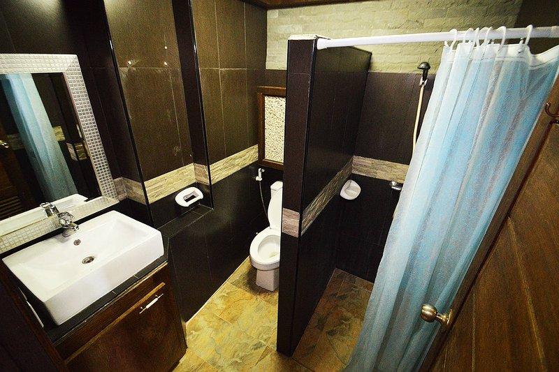 Lavabo e banheiro