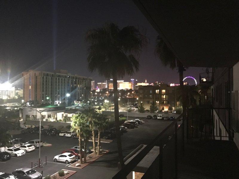 Las Vegas est Calling !! Répondez-vous ?? La Belle vue Strip de Las Vegas depuis le balcon