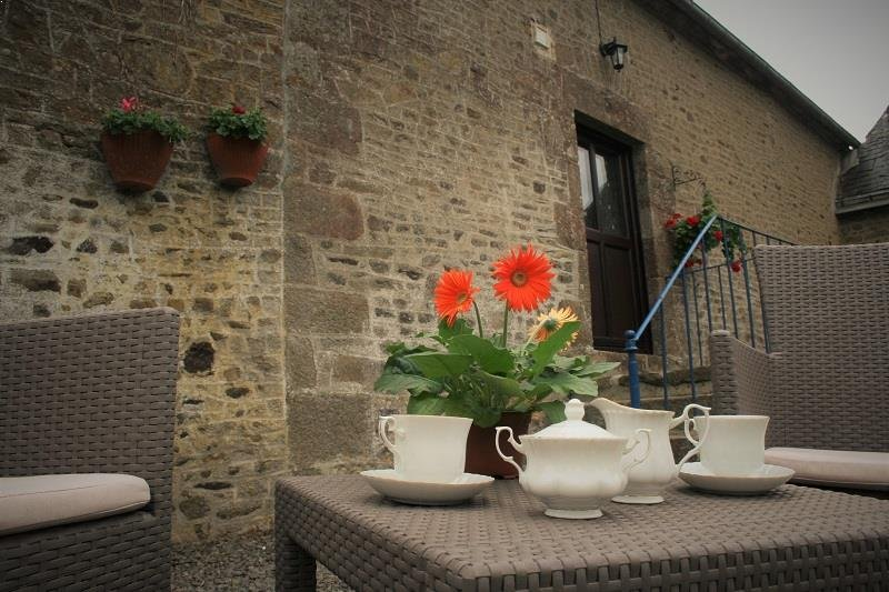 Wheel House Gite Holiday Cottage, vacation rental in Saint-Fraimbault