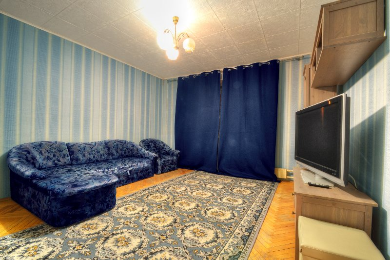 Apartments near metro Orehovo with big TV, holiday rental in Ostrovtsy