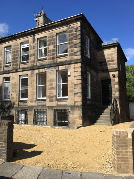 A  4 bed apartment in Newcastle city center Victorian house on two floors, holiday rental in Burnopfield