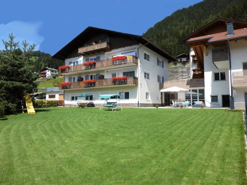 Ferienwohn. Sissi-Urlaub im Wandergebiet Rosengarten/Latemar-Dolomiten-Südtirol, aluguéis de temporada em Aldino