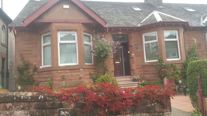 DENHOLM BED AND BREAKAST, holiday rental in Rosneath