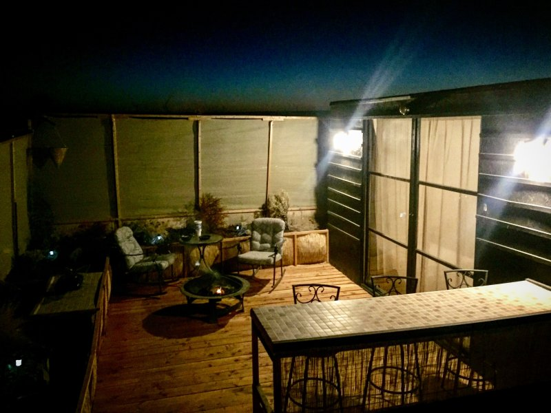 La rejilla de desierto bungallow autosuficiente