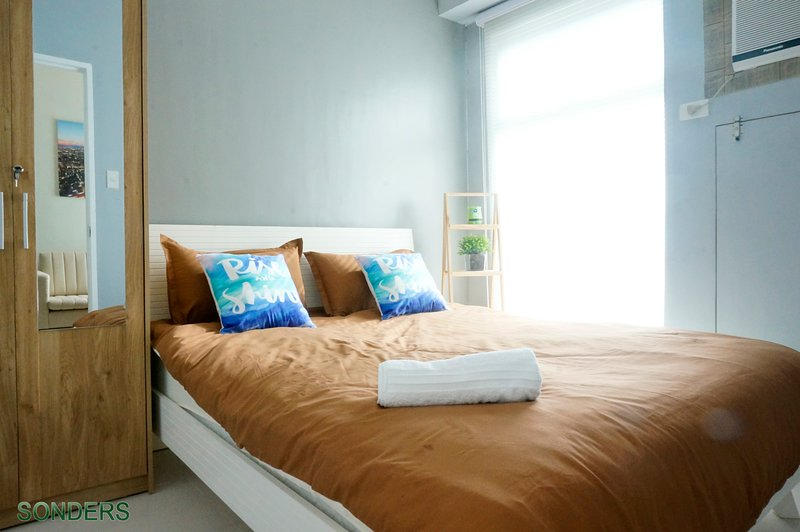 Home Sweet Home at the heart of Ortigas Center, holiday rental in San Juan