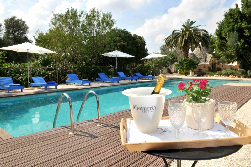 Trulli Mimosa Exceptional 2 Bed Trulli with Pool, Puglia, Italy, holiday rental in Ceglie Messapica