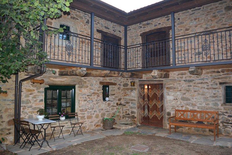 La casa de Rosa. Casa rural completa, vacation rental in Las Medulas