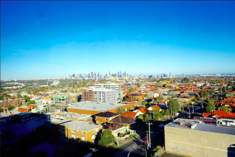 La terrazza sul tetto, con una splendida vista del CBD e il Melbourne Stella