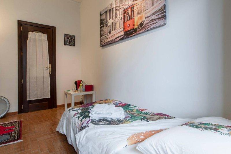 EXCLUSIVE Private Room in Milan, casa vacanza a Sesto San Giovanni