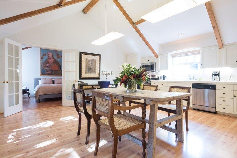 Essbereich und Küche im Carriage House