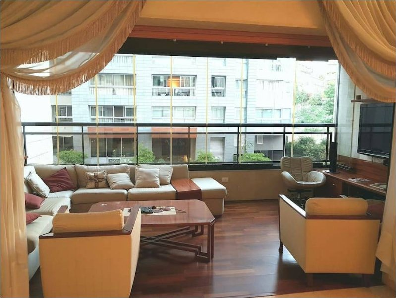 Large Ashrafieh / Sodeco Apartment, holiday rental in Beirut