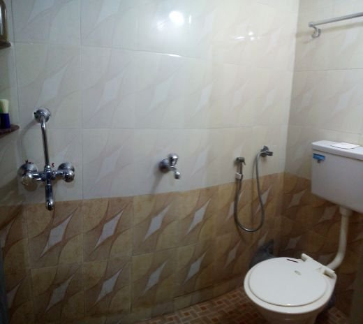 Mangalore Famiglia Balakrishna in Udupi - Vista del bagno. Geyser è disponibile per la fornitura di acqua calda