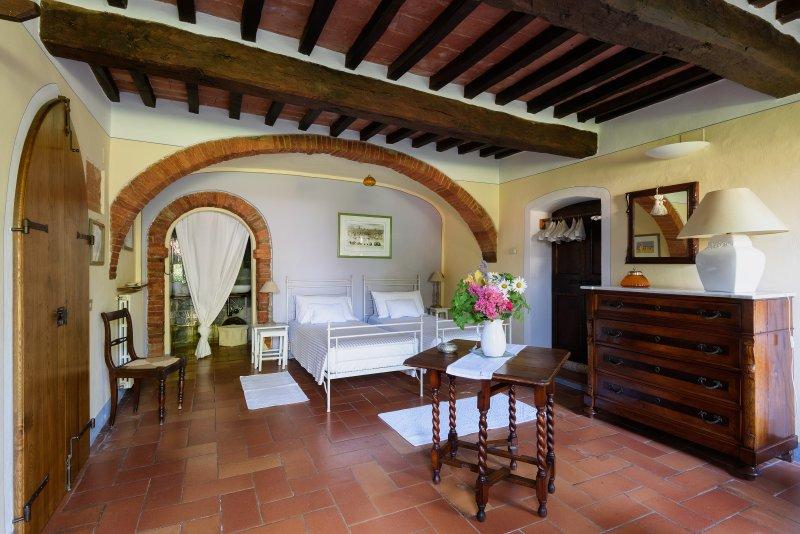 Giardino Apartment - Villa Vignacce, casa vacanza a Bettolle