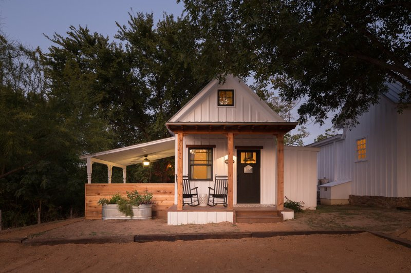 Mustard Seed B&B on the Llano- Perry's Cottage, holiday rental in Bluffton