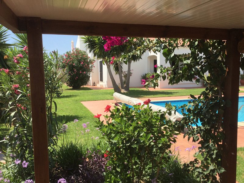 B&B Quinta das Amendoeiras, vacation rental in Cumeada