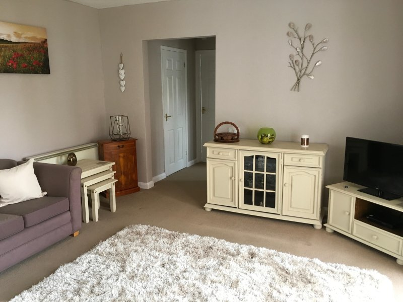Comfy, cosy welcoming, rural retreat, vacation rental in Pewsey