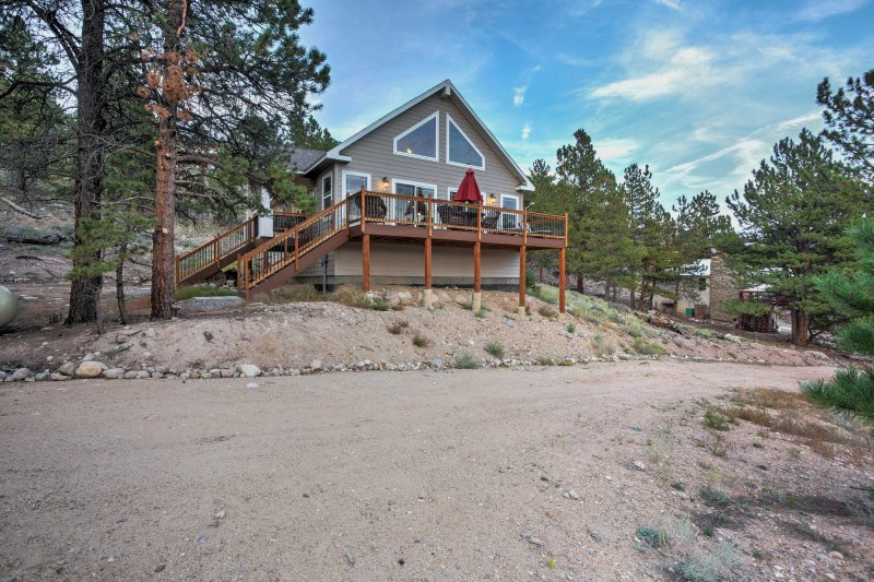 Gorgeous Twin Lakes Home W Deck Overlooking Mtns Updated