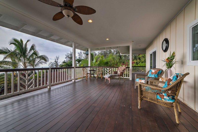 Cette belle maison de 1.550 pieds carrés offre une vue imprenable sur l'océan depuis la véranda expansive et accueillir confortablement 6 personnes.