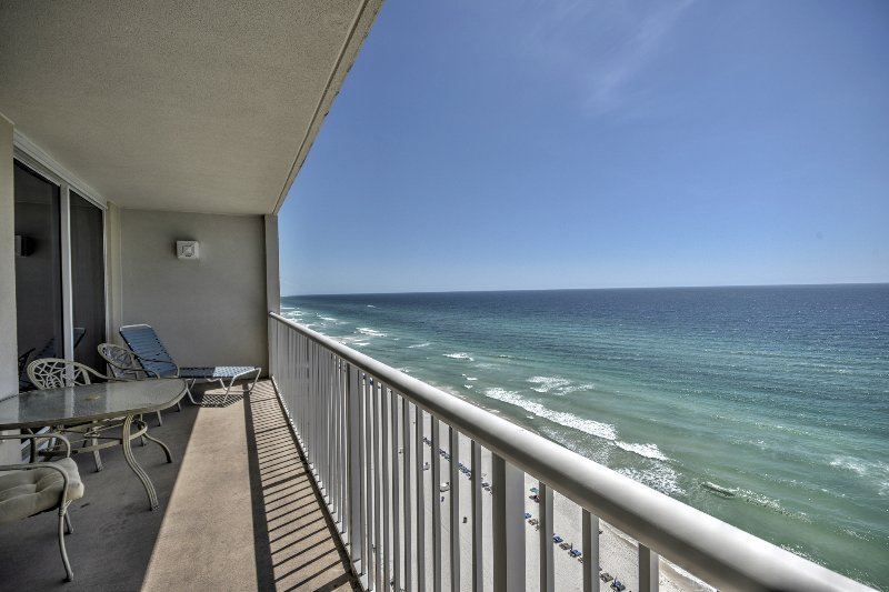 1608 Majestic Beach Towers Has Dvd Player And Parking