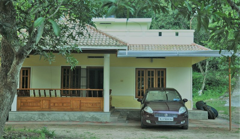 Calm Lake-View - Room 1, vacation rental in Punalur