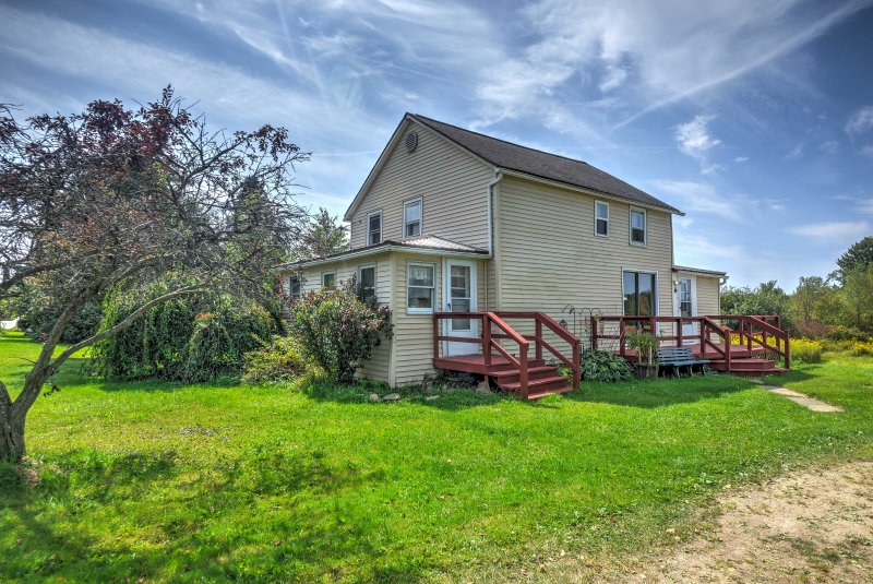 This wonderful, 3-bedroom, 1-bathroom vacation rental house in Guys Mills is located on 2.8 acres of land!