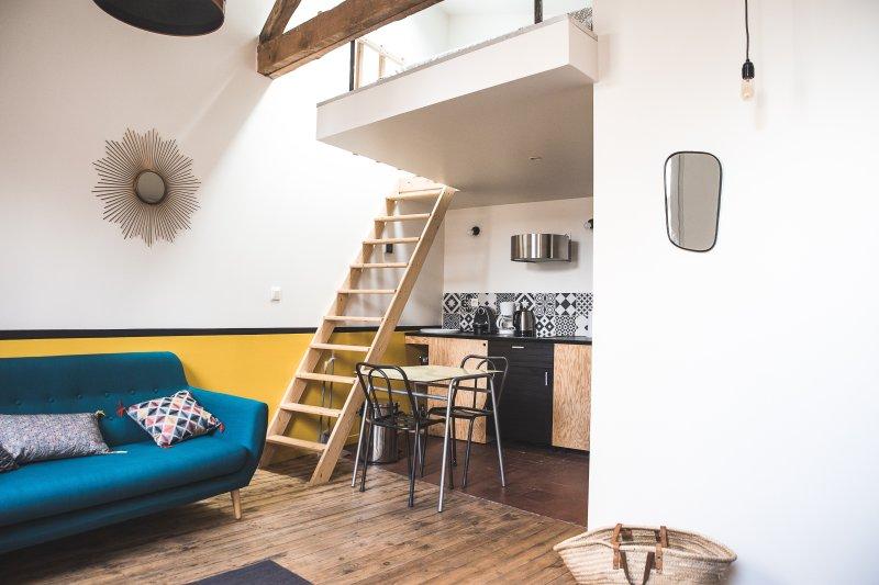 Grand studio-mezzanine hyper centre Has Internet Access and ...