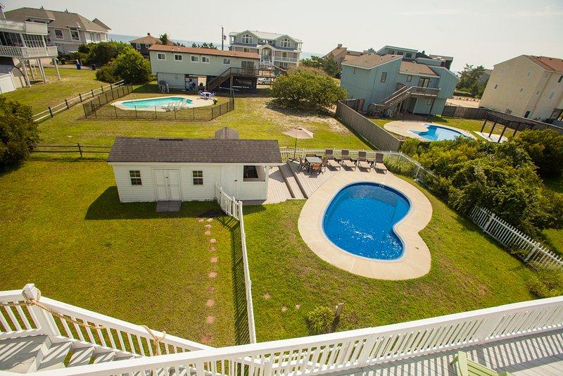 Pool,Water,Building,Fence,Resort