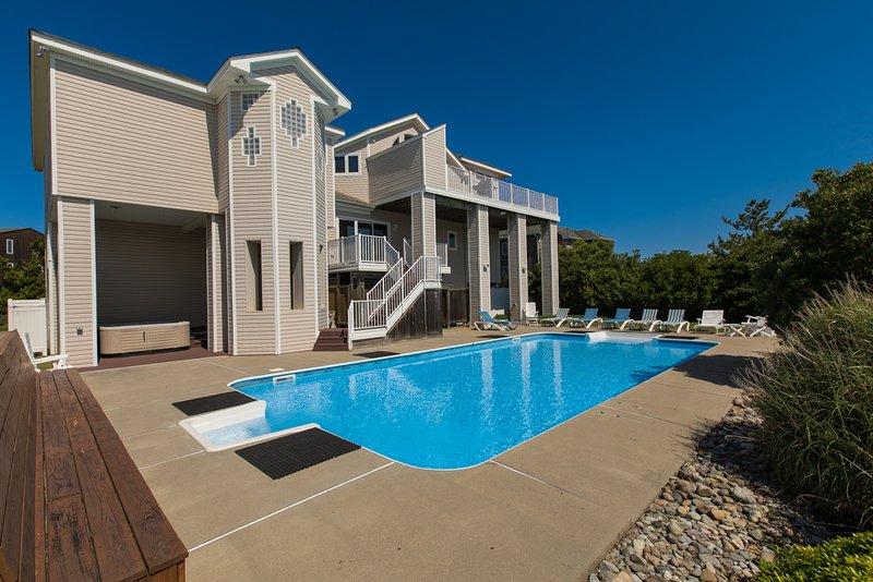 Building,Jacuzzi,Tub,Pool,Resort