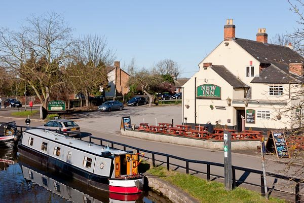 Narrowboat Hire on the Trent and Mersey canal at Shardlow