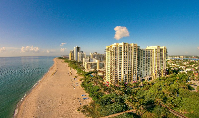 Ocean view 1 bedroom condo #1807, vacation rental in Singer Island