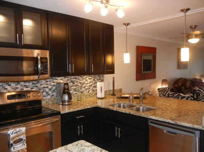 Brand new renovated kitchen granite and stainless appliances. fully equipped. Even a wine fridge!