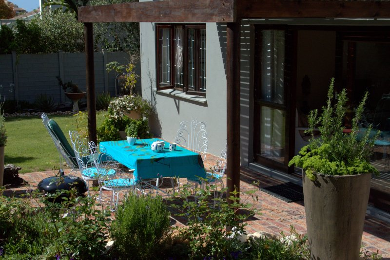 Self catering garden apartment, vacation rental in Plettenberg Bay