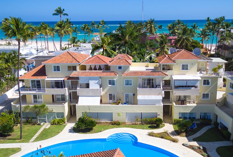 VIP Pool Condo BeachClub Staff WiFI PickUp, vacation rental in Bavaro