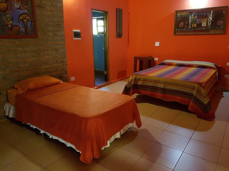 Casa Yaguarete BnB2  Cuarto Uno to Tres Personas, vacation rental in Puerto Iguazu