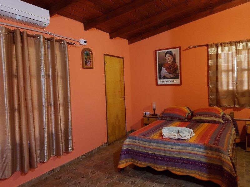 Casa Yaguarete BnB3  Cuarto Uno to Tres Personas, vacation rental in Puerto Iguazu