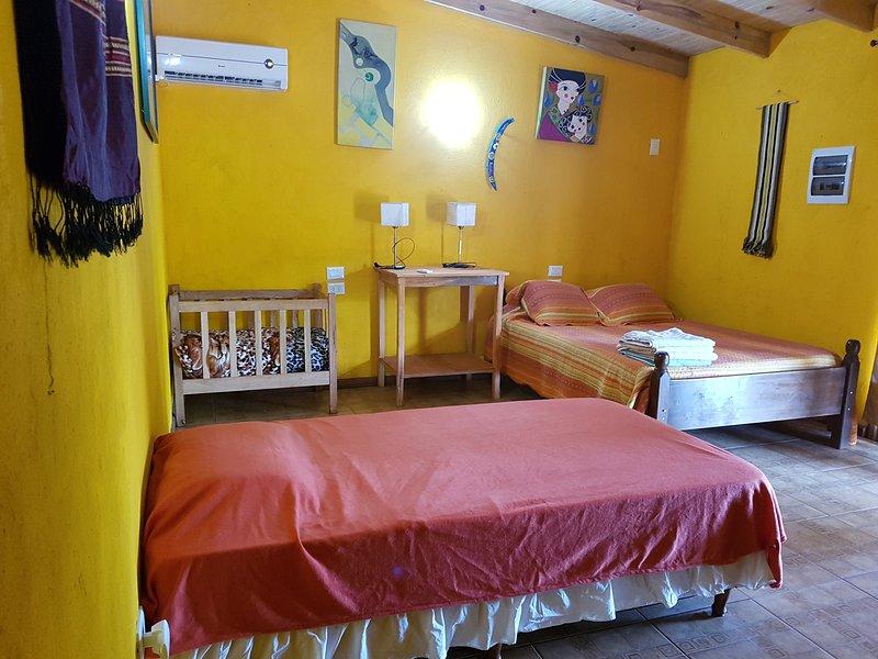 Casa Yaguarete BnB5  Cuarto Uno to Tres Personas, vacation rental in Puerto Iguazu
