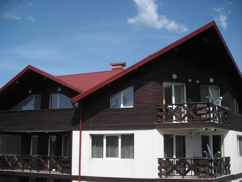 Top floor apartment 100 metres from ski lifts