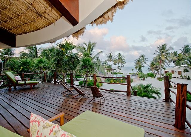 Luxury Villa with Breathtaking Views of the Ocean, Gold Standard Certified!, holiday rental in Xcalak
