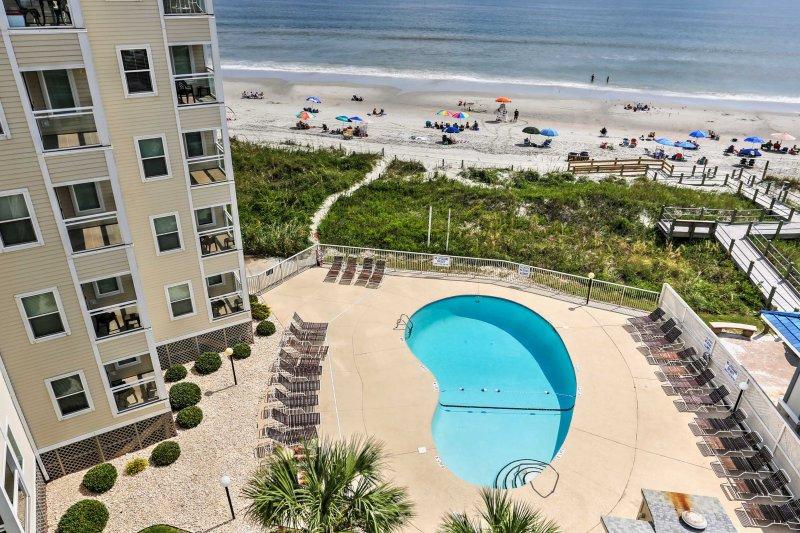North Myrtle Beach Resort Condo Steps from Beach!, vacation rental in North Myrtle Beach