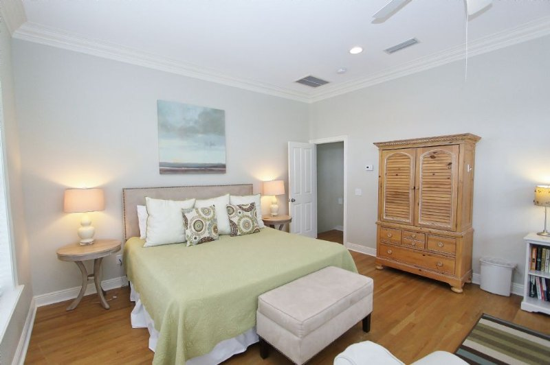 Alternate View of King Master Bedroom