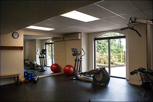 Otra vista de la sala de ejercicios