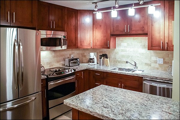 New Fully Equipped Kitchen Has Every Convenience