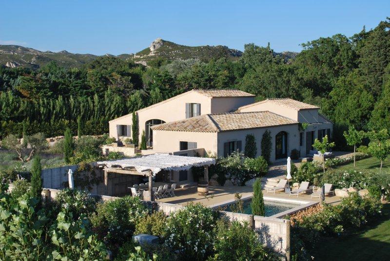 LS1-226 ARTISTO, Luxury Property with heated private pool in Maussane Alpilles, location de vacances à Maussane-les-Alpilles