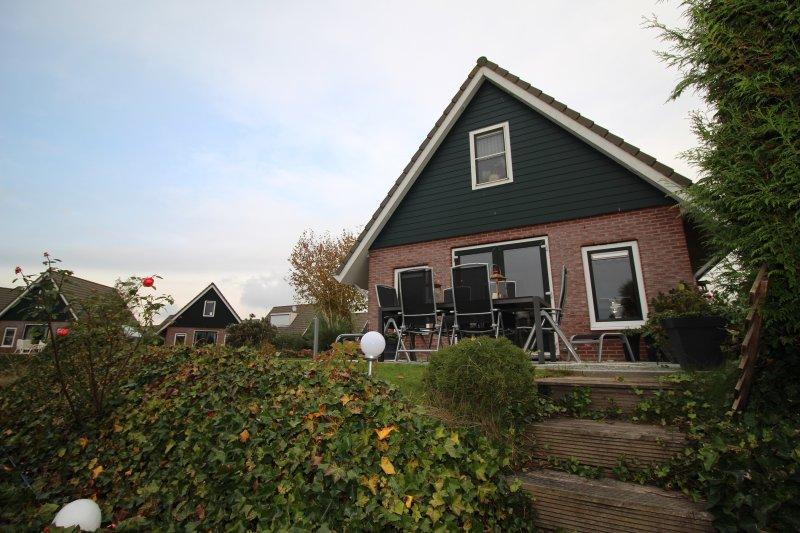Holidaypark Klein Giethoorn bungalow 12-25, holiday rental in Medemblik
